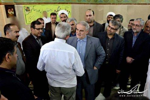 استاندار گلستان از زندان مركزي گرگان بازديد كرد