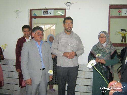 بازدید فرماندار شهرستان ترکمن از مرکز عقب ماندگی ذهنی بهزیستی