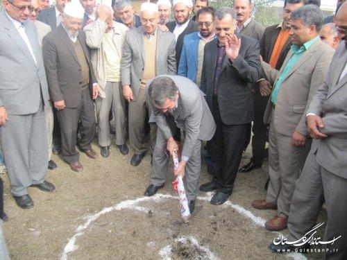 """کلنگ زنی احداث مدرسه """"خیر ساز"""" در روستای قرمسه شهرستان گمیشان"""