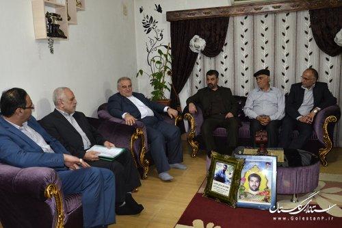 دیدار استاندار گلستان با خانواده های شهید و جانباز مبارزه با مواد مخدر