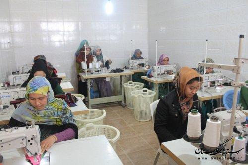 دومین کارگاه تولیدی پوشاک در روستای چناران شهرستان مراوه تپه افتتاح شد .