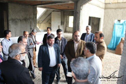 بازدید فرماندار شهرستان آزادشهر از مدارس در حال ساخت شهرستان