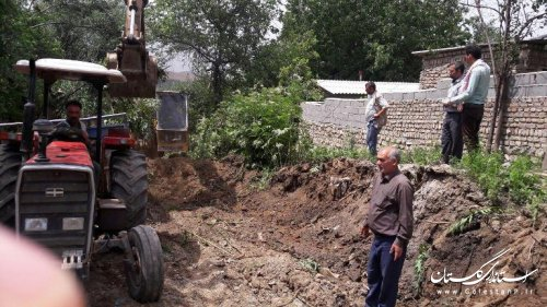 بازدید بخشدار از اجرای طرح هادی روستای گلیداغ