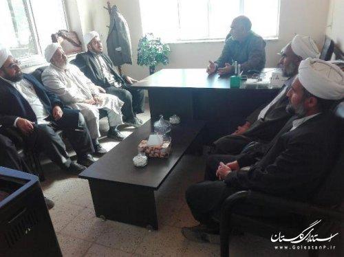 دیدار بخشدار گلیداغ با امام جماعت و روحانیون روستای قولاق کسن