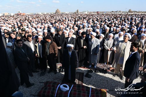 پیکر امام جمعه فقید اهل سنت بندر ترکمن تشییع شد