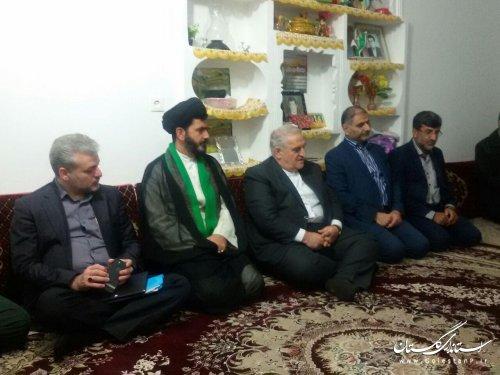 دیدار استاندار گلستان با خانواده شهید عبدالله جمال در بندرگز