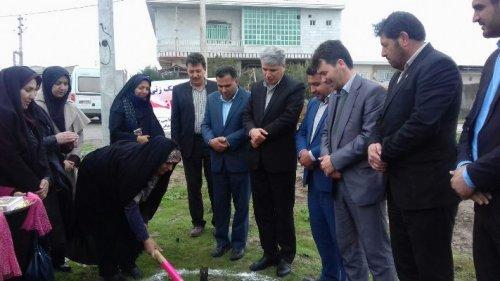 پارک بانوان شهرستان ترکمن باحضور مدیرکل اموربانوان استان گلنگ زنی شد