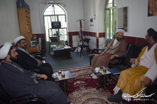 دیدار مدیر و جمعی از کارکنان زندان گنبد با ائمه جمعه شرق استان
