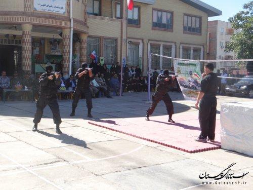 رزمایش اقتدار پلیس در دبیرستان دخترانه زهرای اطهر (س) فاضل آباد برگزار شد