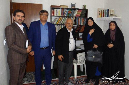 دیدار مدیرکل فرهنگ و ارشاد اسلامی با هنرمند شاعر و نویسنده پیشکسوت آزادشهری