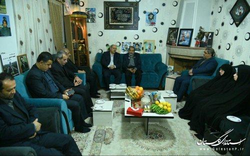دیدار استاندار گلستان با خانواده شهید مدافع حرم یدالله ترمیمی