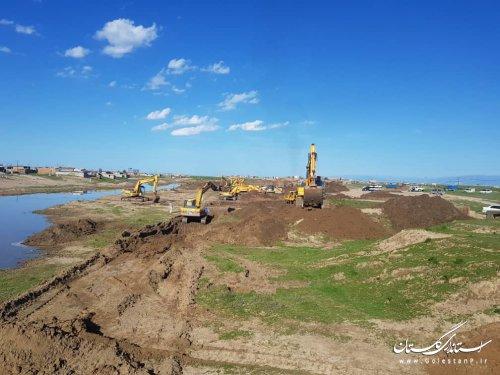 عملیات احداث کانال  انحرافی دیگچه برای کنترل آب گرگانرود با تلاش شبانه روزی ادامه دارد