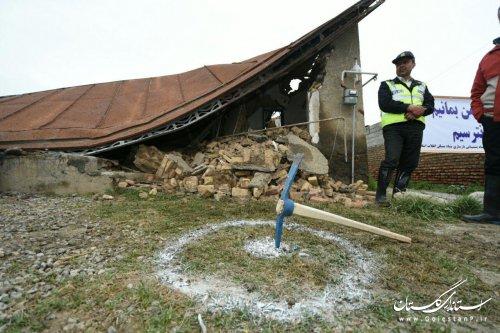 خانه هایی که در سیلاب آسیب جدی دیده اند ، تخریب و بازسازی می شوند