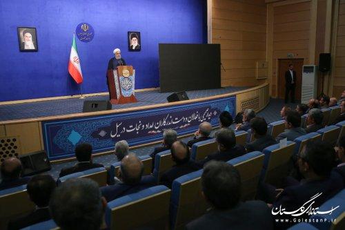 صحنه کمکرسانی ملت ایران به آسیبدیدگان سیل اخیر، غایب نداشت