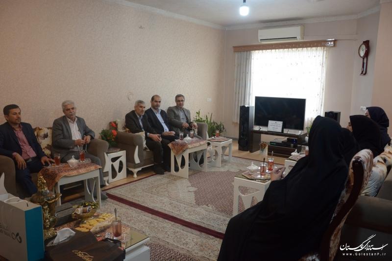 دیدار و تکریم مدیرکل آموزش فنی و حرفه ای گلستان از خانواده شهید رحیمی