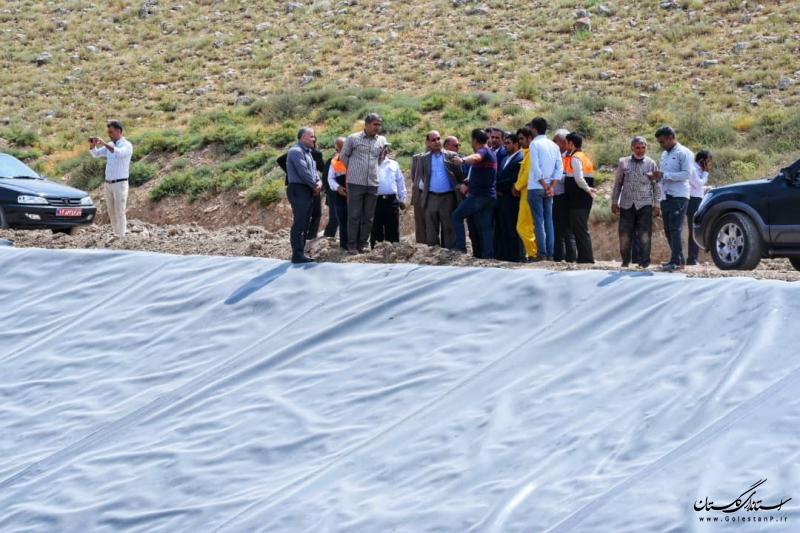 بازدید استاندار گلستان از مراحل احداث آب بندان در روستای تیل آباد شهرستان آزادشهر