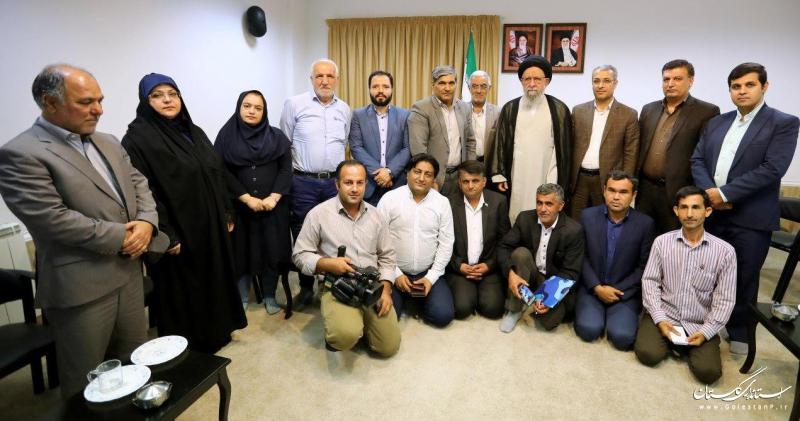 خبرنگاران در باز کردن گرههای استان نقشی اساسی دارند