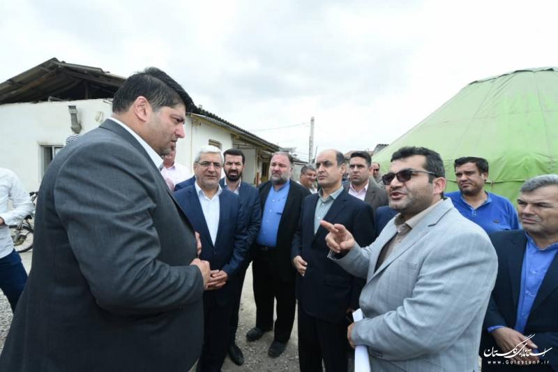 دیدار معاون سیاسی وزیر کشور و استاندار گلستان با خانواده شهیدان حبیب لی