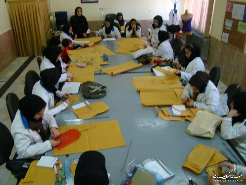120 روپوش مدرسه برای دانش آموزان سیل زده استان آماده شد