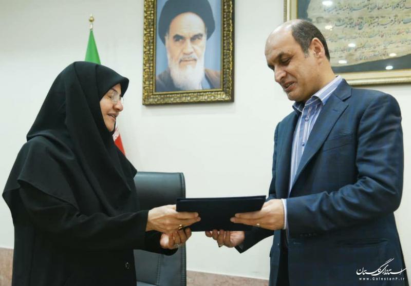 معاون توسعه مدیریت و منابع استاندار گلستان معارفه شد