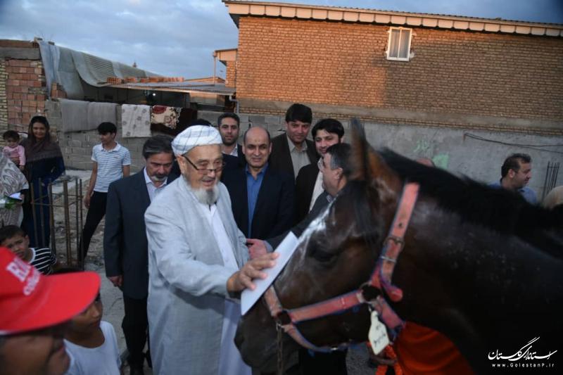 اهدا اسب توسط فدراسیون سوارکاری به خانواده شهیدان حبیب لی