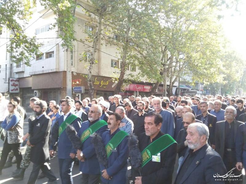 حضور استاندار گلستان در مراسم پیاده روی عزاداران حسینی در روز اربعین در گرگان