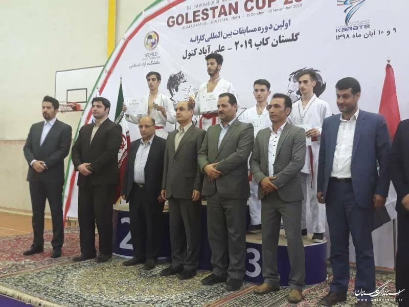 مدال های نفرات برتر مسابقات بین المللی کاراته گلستان کاپ ۲۰۱۹ اهدا شد