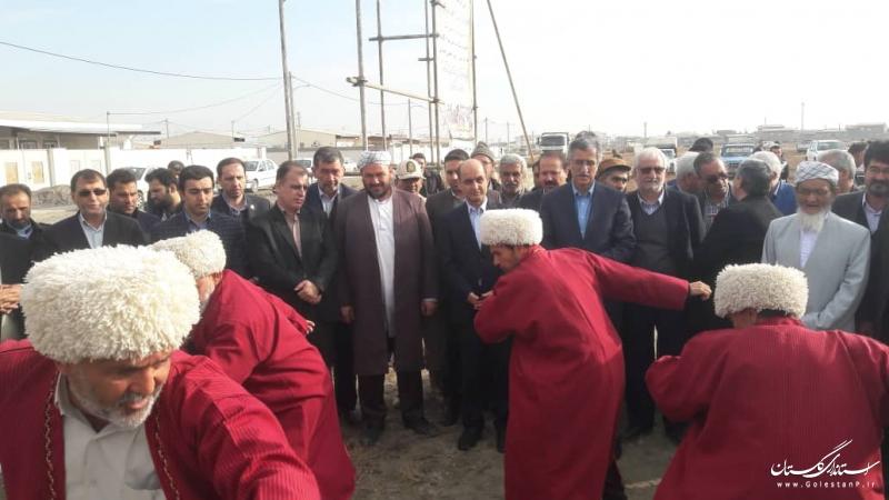 عملیات اجرایی مجمتع مسکونی 50 واحدی در گمیشان و 15 واحد مسکونی در آق قلا آغاز شد