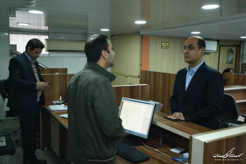 بازدید سرزده استاندار گلستان از تعدادی از ادارات کل استان