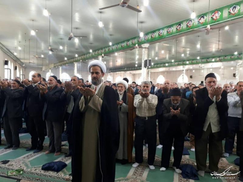 حضور استاندار گلستان در نماز سیاسی عبادی جمعه شهرستان آزادشهر