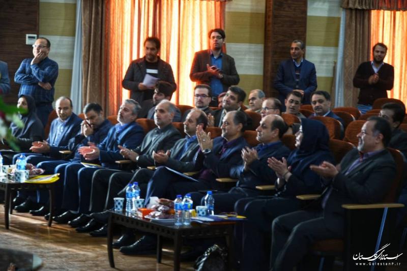 با حضور استاندار گلستان ؛  رونمایی از سند مدل مرجع معماری سازمانی انجام شد