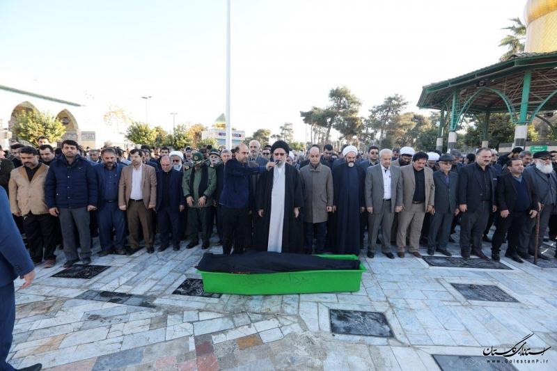 اقامه نماز بر پیکر مرحوم زمانی نژاد؛ مدیرکل بنیاد مسکن انقلاب اسلامی استان گلستان