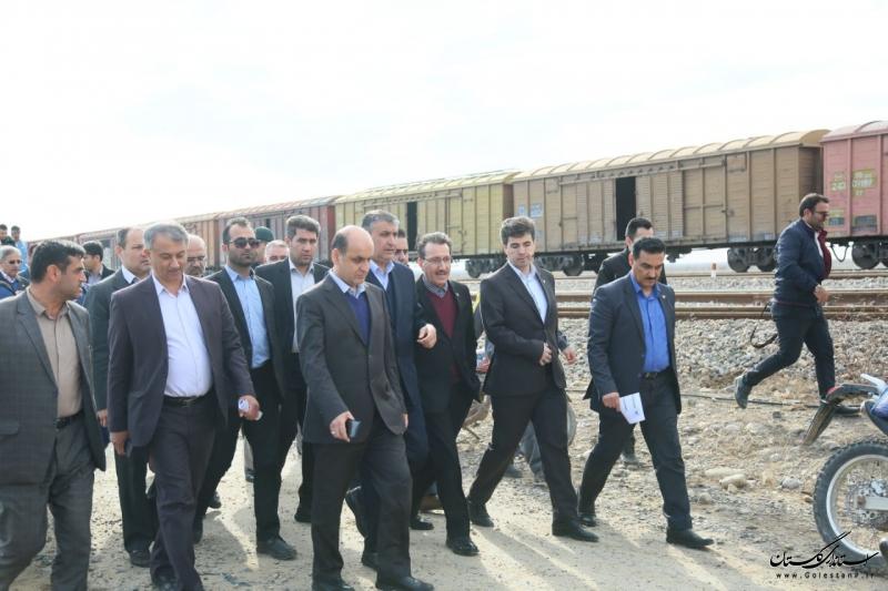 بازدید وزیر راه و شهرسازی از گمرک اینچه برون گلستان