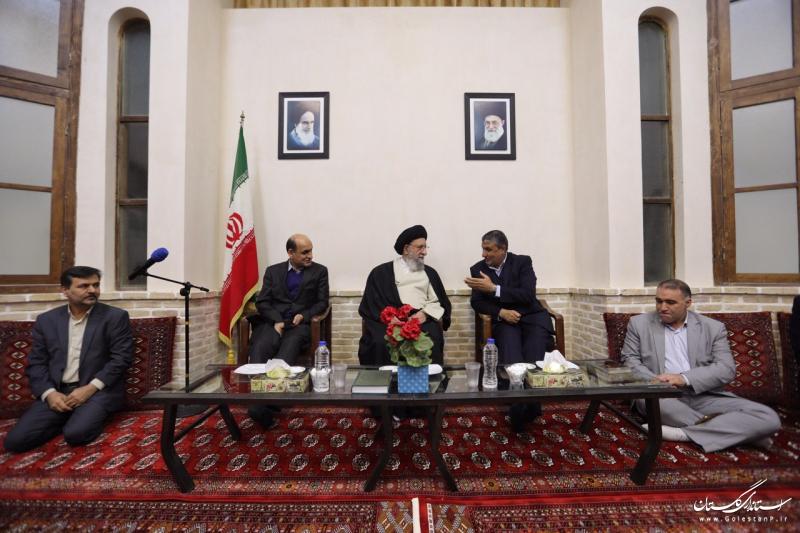 دیدار وزیر راه و شهرسازی و استاندارگلستان با نماینده ولی فقیه در استان