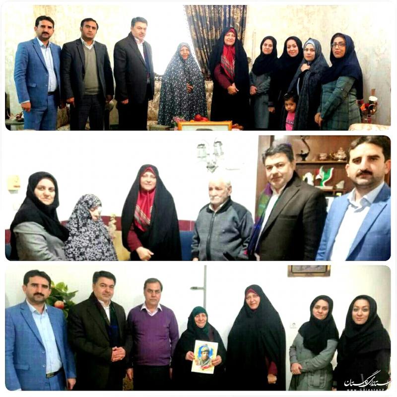 مدیرکل فرهنگ و ارشاد اسلامی گلستان به دیدار 3 مادر شهید در گرگان رفت