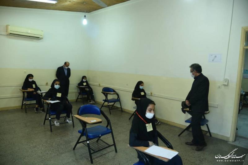 بازدید استاندار گلستان از برگزاری امتحانات نهایی پایه دوازدهم در گرگان
