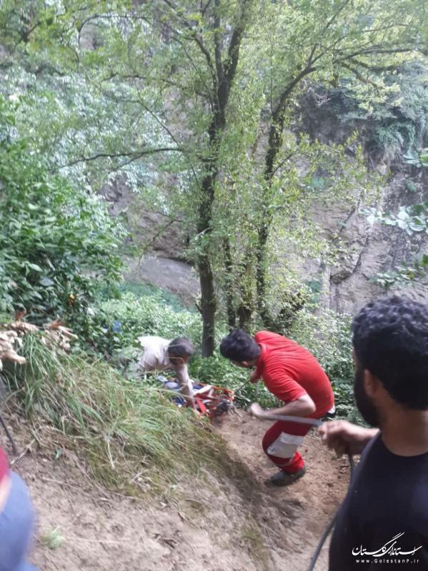 انتقال فرد جانباخته براثر سقوط از ارتفاع ۷۵ متری آبشار لوه پس از ۴ ساعت