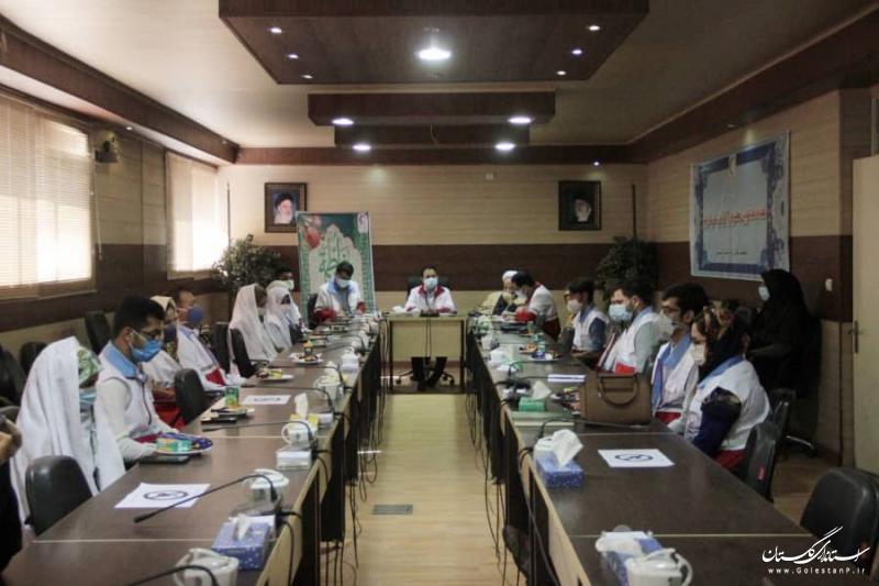 تجلیل از ۴۷ زوج عضو سازمان جوانان هلال احمر همزمان با هفته ازدواج در گلستان