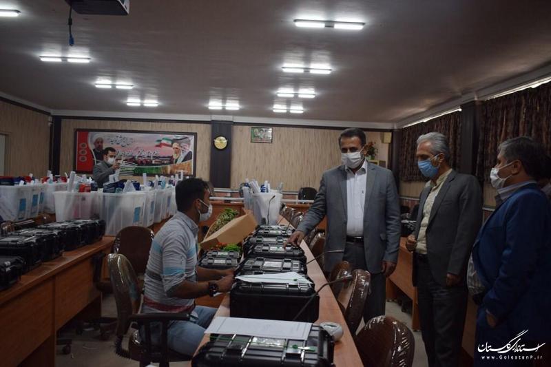 بازدید دبیر ستاد انتخابات استان از تعداد زیادی از شعب اخذ رای در شهرستان های ترکمن و کردکوی