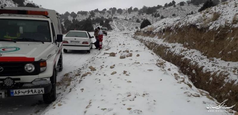 امدادرسانی به ۱۱۴ نفر در راه مانده در برف و کولاک گلستان