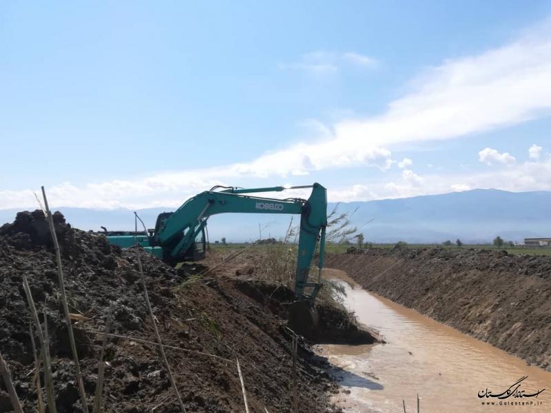 کلنگ زنی عملیات لایروبی و ساماندهی سرشاخه های گرگانرود در روستای یل چشمه و تثبیت مسیل قره آغاچ