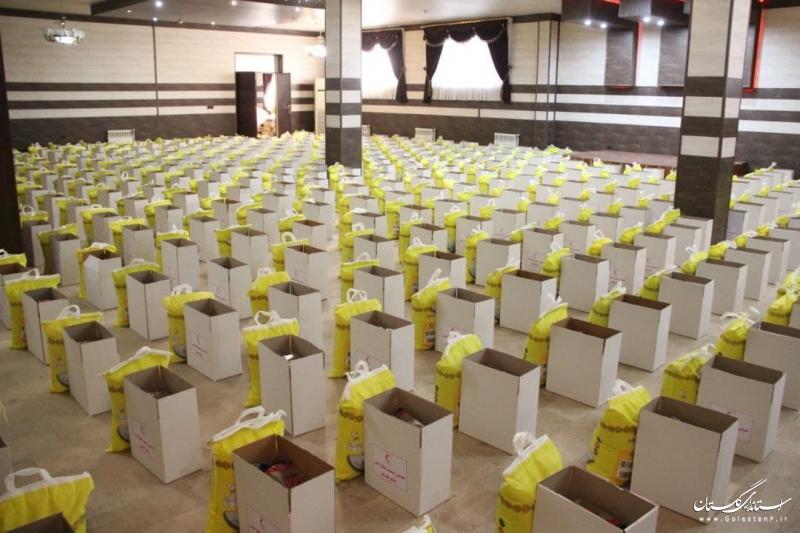 توزیع بیش از ۱۵۰۰ سبد معیشتی عیدانه در گلستان