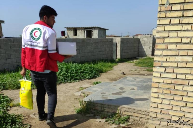 توزیع ۶۸ بسته غذایی بین نیازمندان روستای سلطانعلی در شهرستان گنبدکاووس