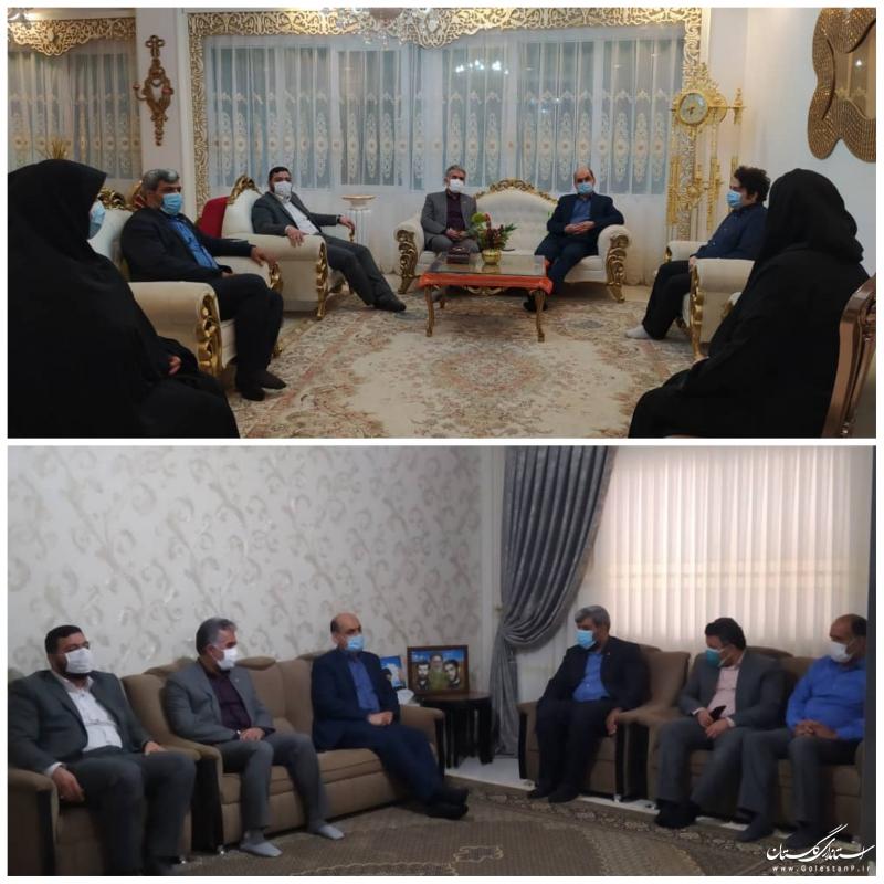 دیدار استاندار گلستان با دو خانواده شهید فرهنگی در گرگان
