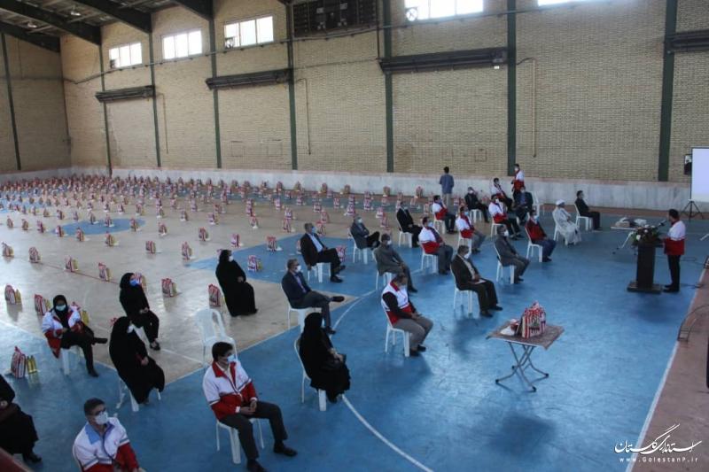 اهدای ۲۱۹ تبلت ویژه دانش آموزان مناطق سیل زده و هزار بسته معیشتی ویژه خانواده های متأثر از کرونا