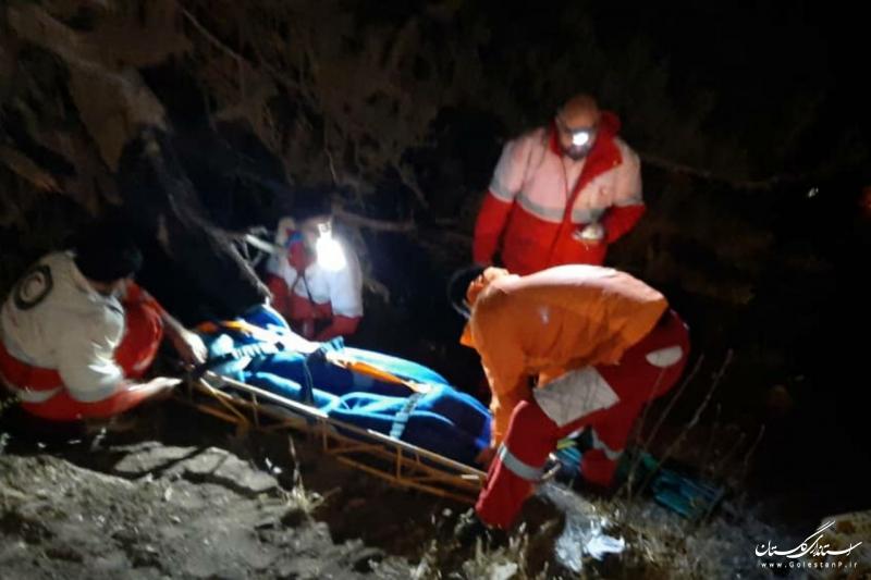 نجات ۲ مرد سقوط کرده به دره در جاده آزادشهر به شاهرود