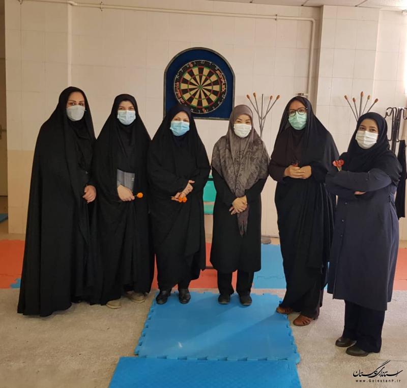 به مناسبت هفته دولت،مسابقات ورزشی دارت ویژه بانوان شاغل در استانداری گلستان برگزار شد.